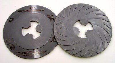 3M Disc Pad Face Plate Ribbed 80516, 7 in Medium Gray, 10 per case