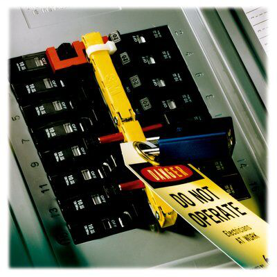 3M PanelSafe Lockout System PS-0721, 3/4-in Spacing, 21 Slots, safeguards your electrical machines and lighting and equipment