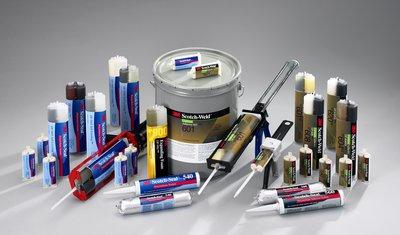 3M Scotch-Weld Urethane Adhesive 605NS Off-White Part A, 5 Gallon, 1 per case