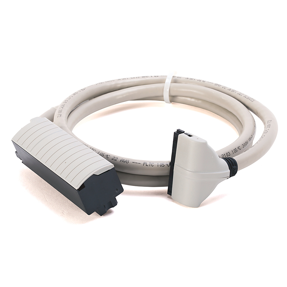Allen-Bradley 1492-CABLE015Z 1.5 m 300 Volt 22 AWG 40-Conductor Pre-Wired Digital Interface Cable