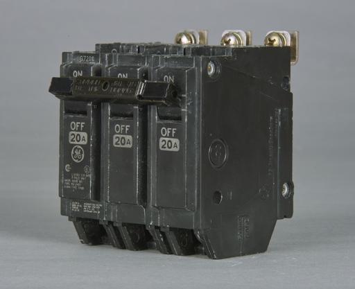 GE THQB-32050