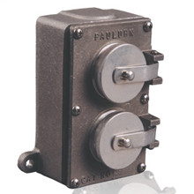 PAULUHN ELECTRIC WT RECEPTACLE SQUARE BOX 20 AMP 125
