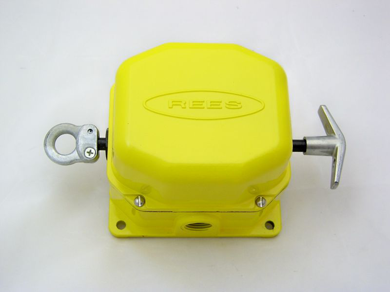 Rees,04944-040,Cable Operated Switch,Rees,Slack CBL,CNT Configuration: NO + NC,3.900 IN HT