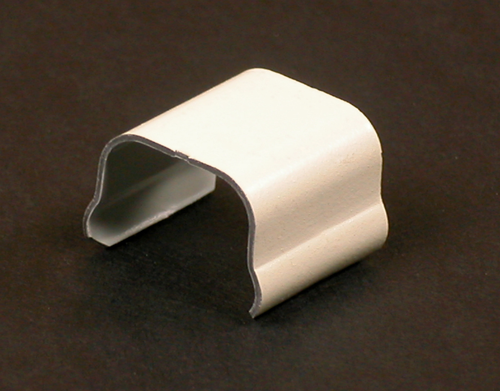 """Wiremold V506 3/4"""" Ivory Steel 1-Channel Raceway Connection Cover"""