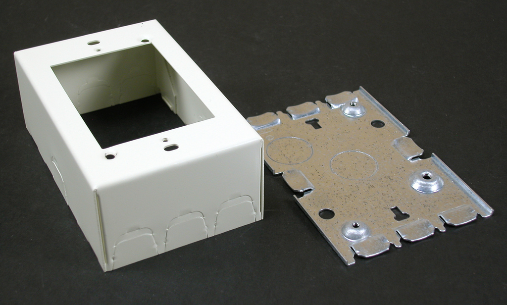 Wiremold V5748 4-5/8 x 2-7/8 x 1-3/4 Inch Ivory Steel 1-Channel Raceway 1-Gang Switch and Receptacle Box