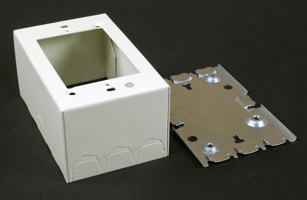 Wiremold V5744 4-5/8 x 2-7/8 x 2-3/4 Inch Ivory Steel 1-Channel Raceway 1-Gang Extra Deep Switch and Receptacle Box