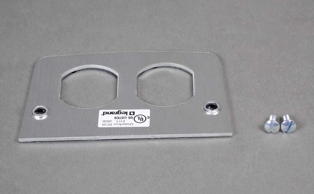 Wiremold 500DR 2-5/8 x 4-1/2 Inch Service Fitting Duplex Face Plate