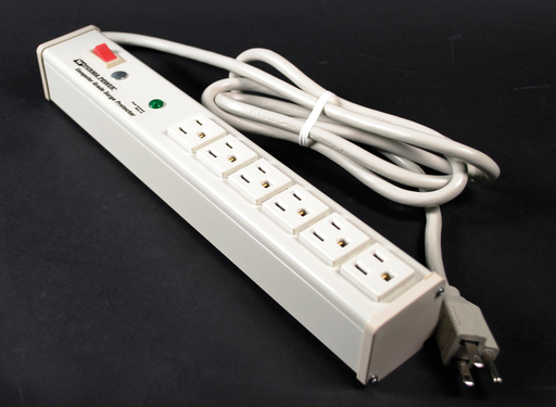 Plug-In Outlet Center Unit / 120V/15A/6 O/L /lighted switch/6' cord/Computer Grade Surge