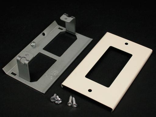 3000 Rectangular Decorator Receptacle Cover Fitting