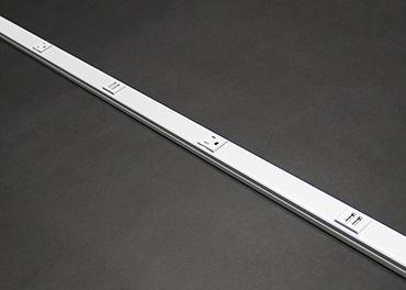 Mayer-Wiremold 20GB506TR Alternating USB Tamper Resistant Plugmold Multioutlet System, Black-1
