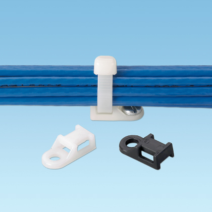 The cable tie mount in natural color is applied with a #10 (M5) screw. It is made of nylon 6.6, which increases mechanical strength, heat and wear resistance, and stiffness in indoor environments. It comes in packages of 100.