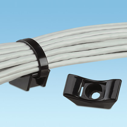 The extra heavy cable tie mount in black is applied with a #8 (M4) screw. It is made of weather-resistant nylon 6.6, which increases mechanical strength, heat and wear resistance, and stiffness in outdoor environments. It comes in packages of 25.