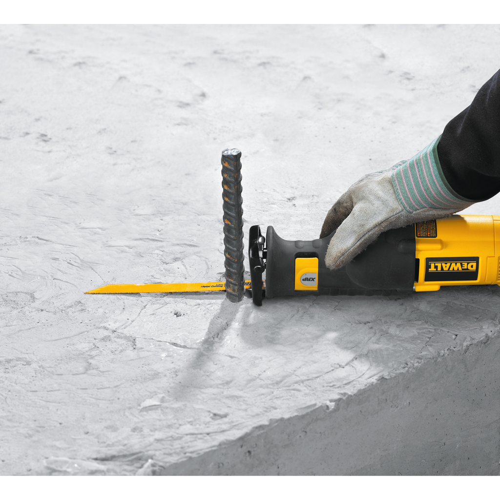 DEWALT DC385K 1-1/8 Inch 18 Volt 0 to 3000 SPM Cordless Reciprocating Saw Kit