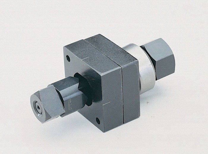 Greenlee 60001 1/2 Inch Hole Square Knockout Punch