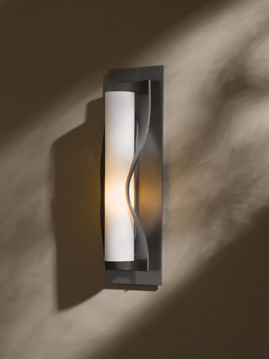 HUF 204790-07-H301 DIRECT WIRE WALL SCONCE WITH GLASS OPTIONS: DUNE. ADA COMPLIANT.